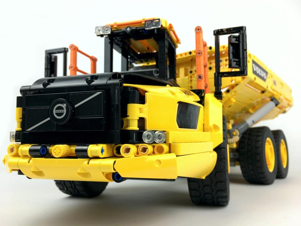LEGO Technic 42114 Knickgelenkter Volvo-Dumper (6×6)