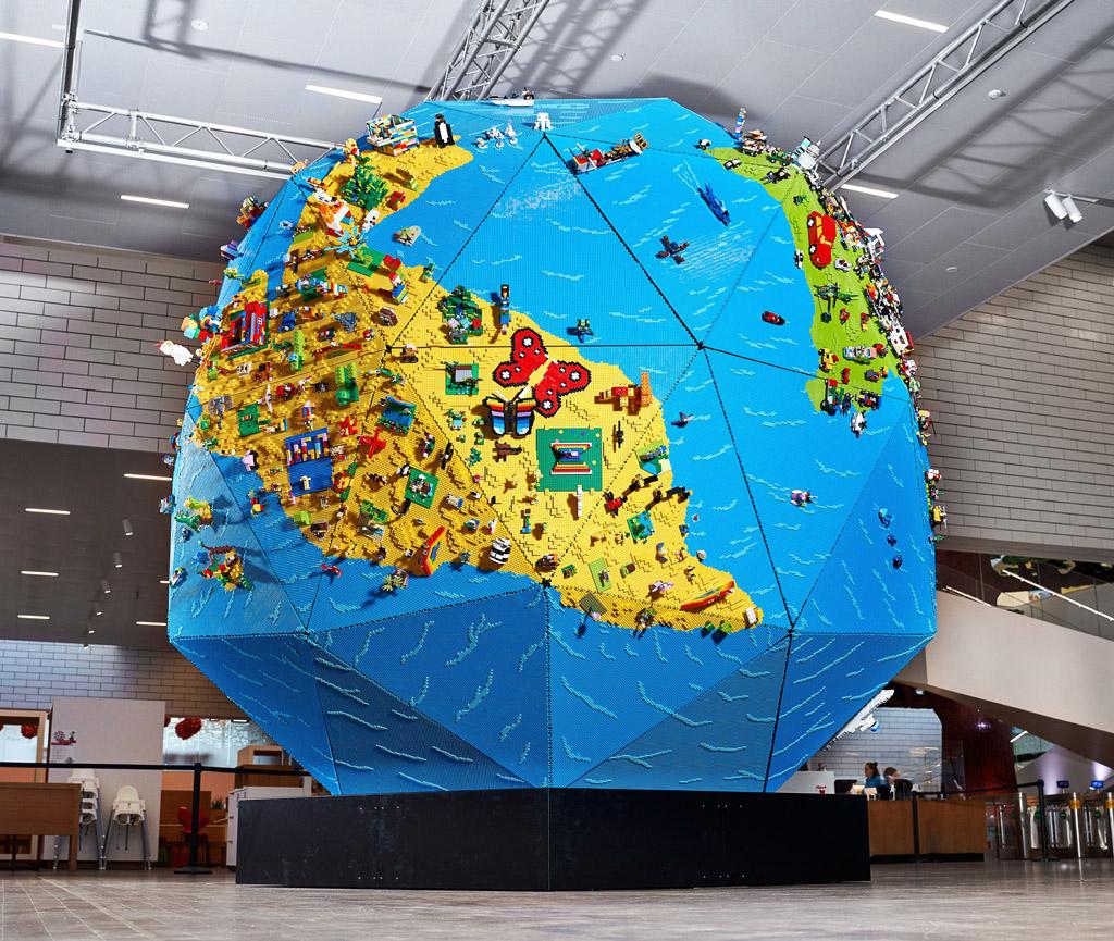 LEGO Globus im LEGO House