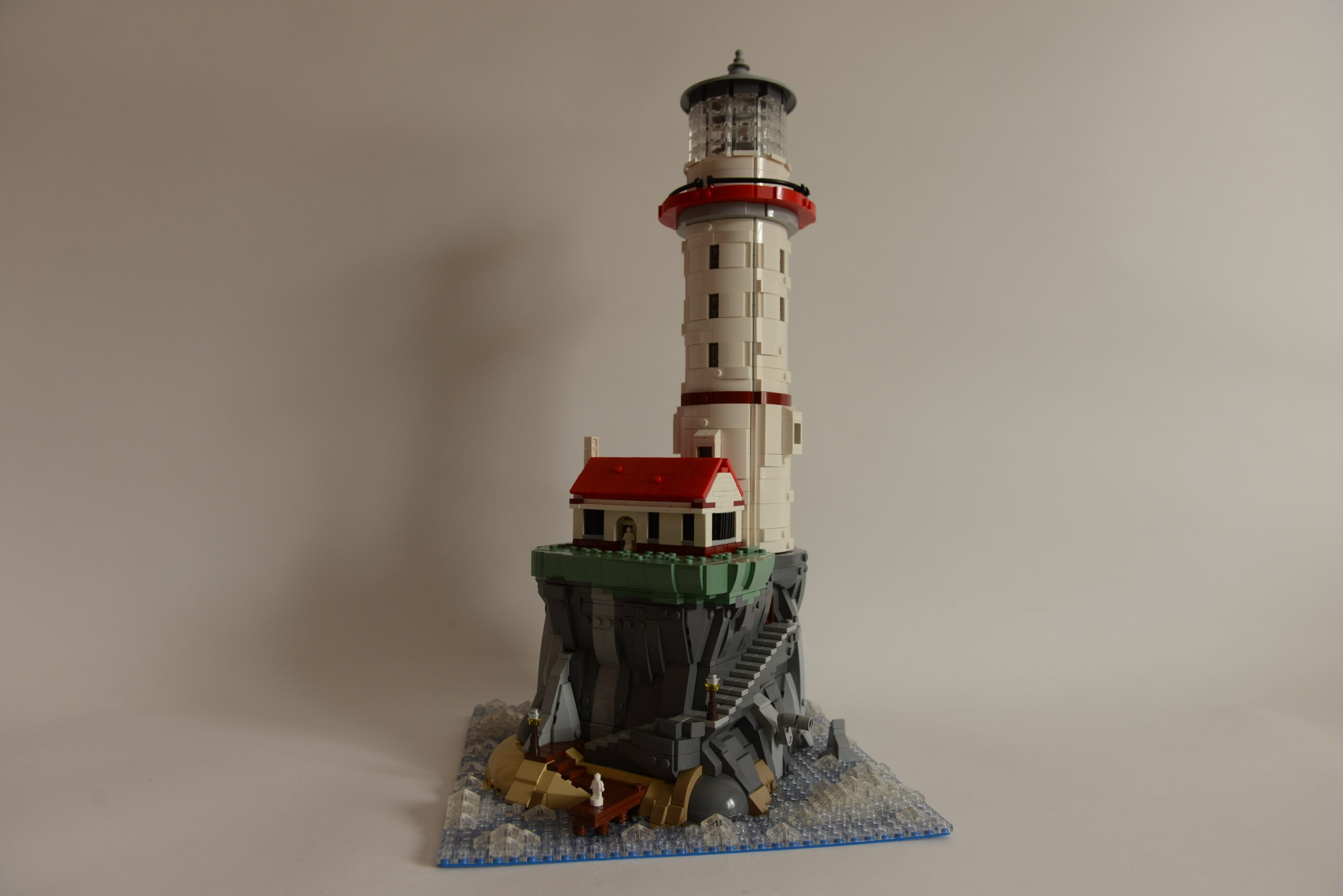 Motorized Lighthouse Roses Must Build