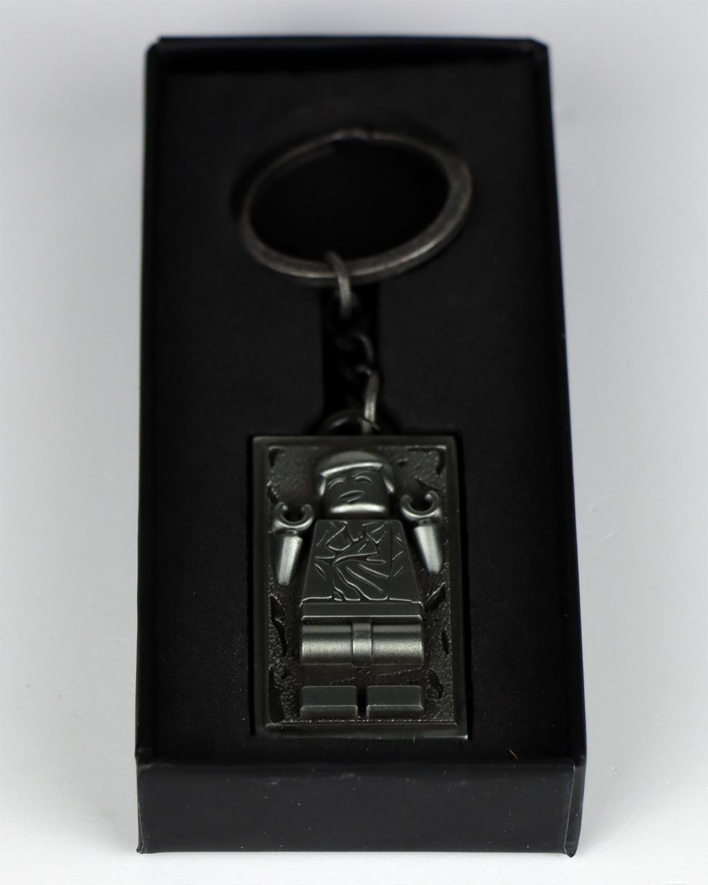 lego-star-wars-5006363-metal-han-solo-keychain-schluesselanhaenger-cabonite-box-offen-2020-zusammengebaut-andres-lehmann
