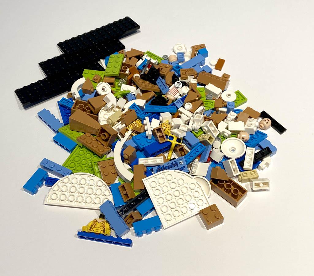 LEGO DC 77906 Wonder Woman Bricks