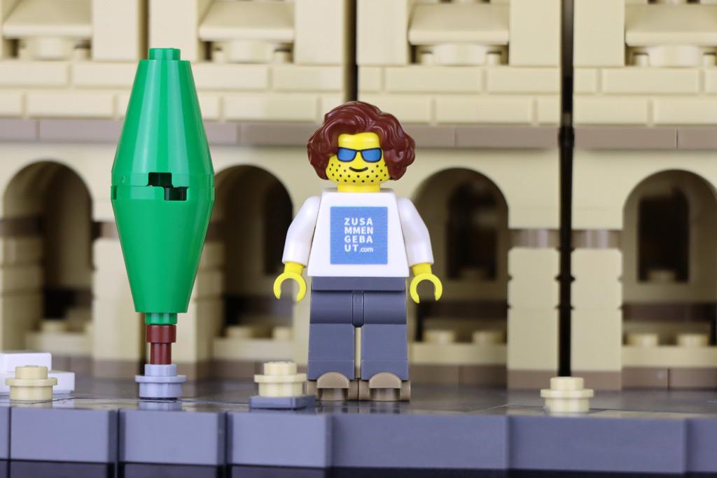 LEGO 10276 Römisches Kolosseum Minifigur Größenvergleich