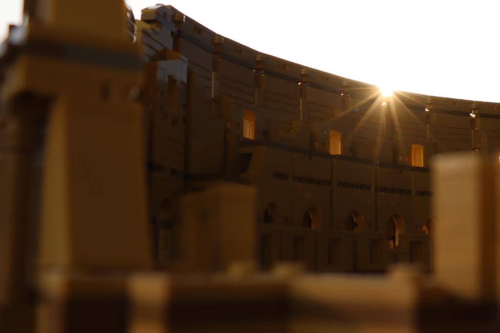 LEGO Kolosseum im sonnigen Glanze