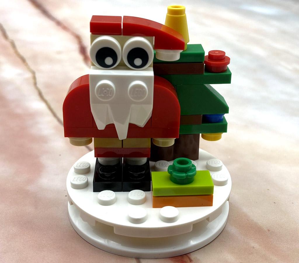 LEGO Seasonal 854037 Christbaumkugel mit Weihnachtsmann Das Modell