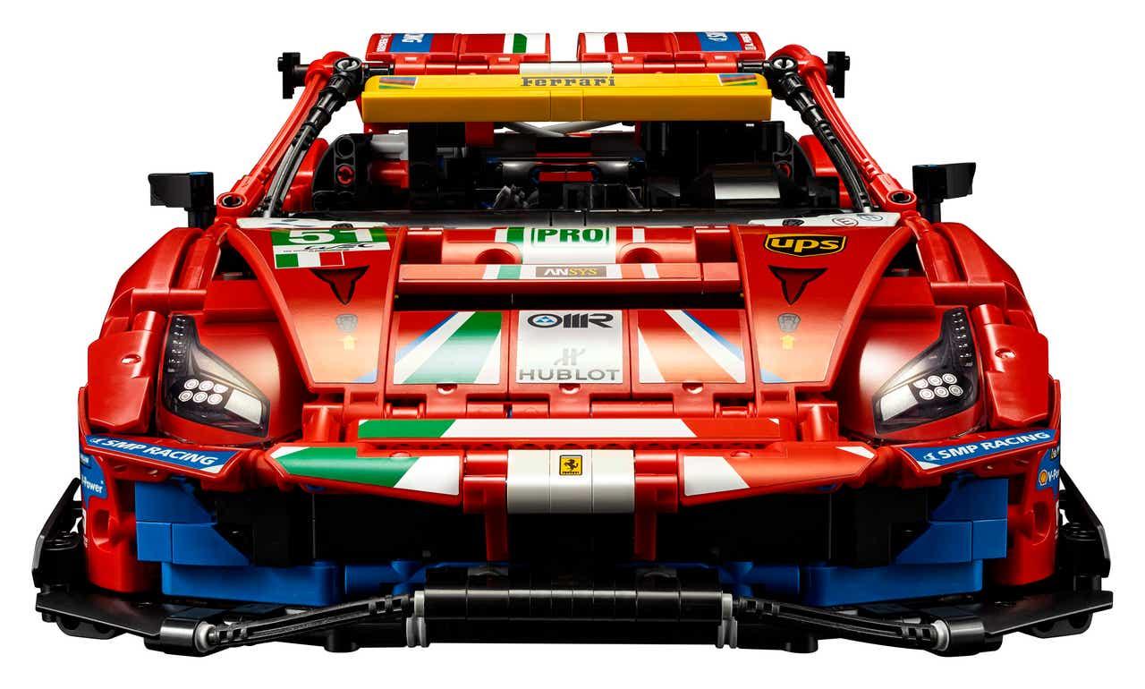 LEGO Technic 42125 Ferrari 488 GTE: Beklebte Front