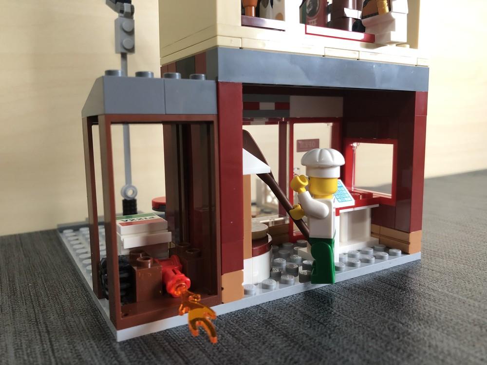 Rückseite des Hauptgebäude aus LEGO Set 60292 Stadtzentrum