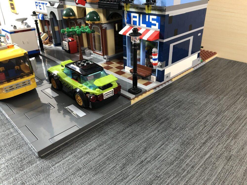 Angehobene Modular Buildings und neue Straßenplatten