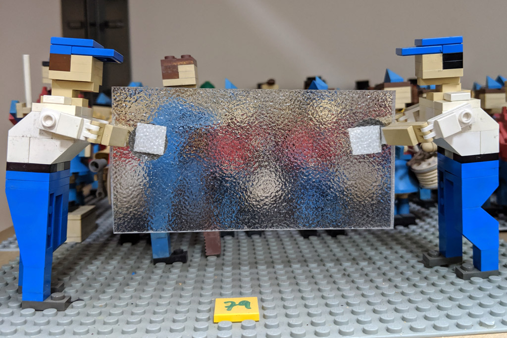 legoland-miniland-model-studio-secrets-scheibe-2019-zusammengebaut-andres-lehmann zusammengebaut.com
