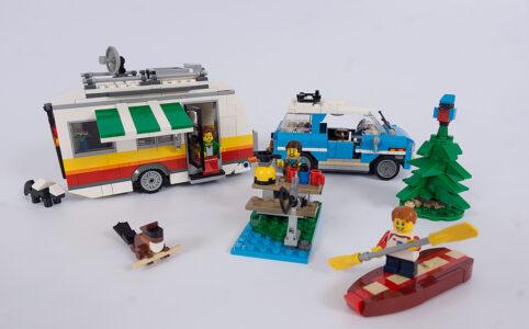 Camping im Wald mit dem LEGO Creator 31108 Campingurlaub