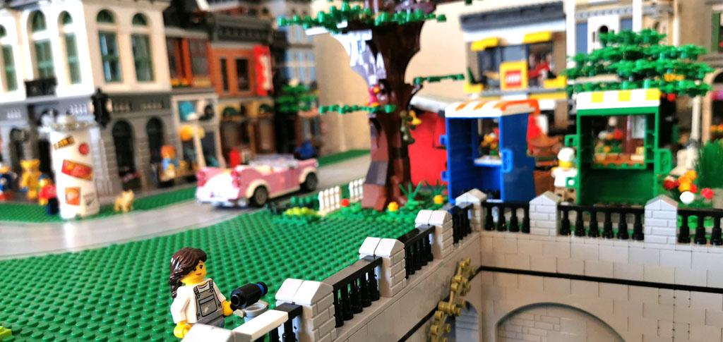 BenBricks LEGO Stadt Der Zaun wird frisch gestrichen