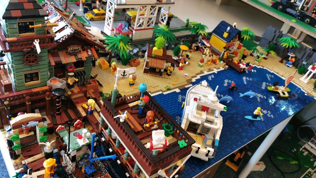 BenBricks LEGO Stadt Der Strand mit dem LEGO Ideas 21310 Fischerhütte