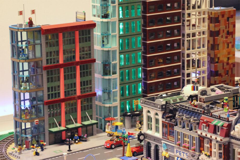 Fifth Avenue der New Ukonio nun mit LEGO Flagship Store