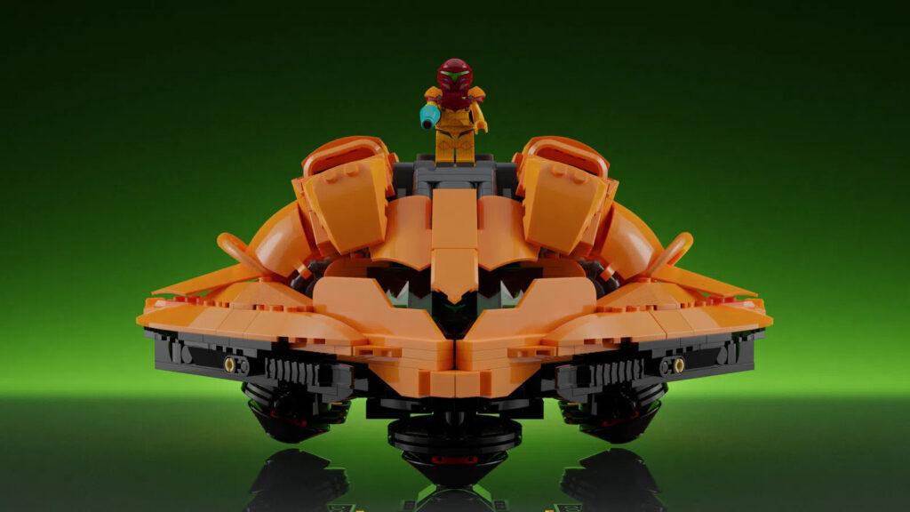 LEGO Ideas Metroid: Samus steht auf dem Raumschiff