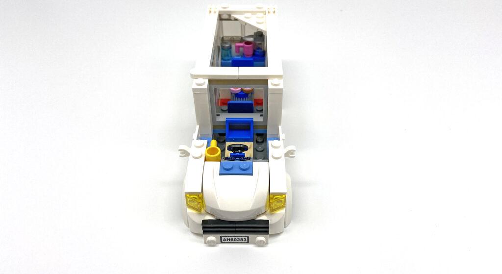 Das LEGO City 60283 Ferien-Wohnmobil, die Fahrerkabine