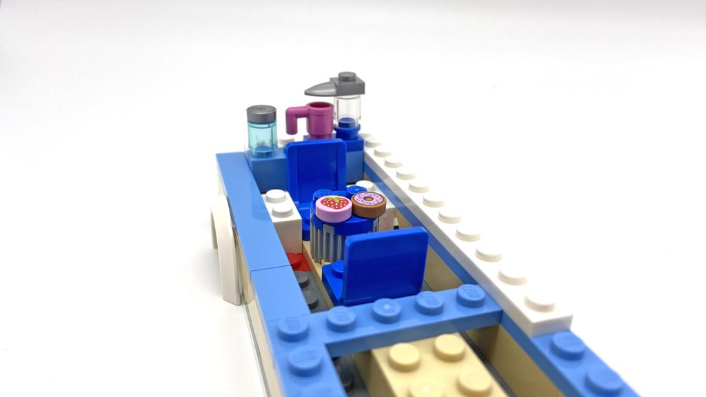 Das LEGO City 60283 Ferien-Wohnmobil Die Ausstattung