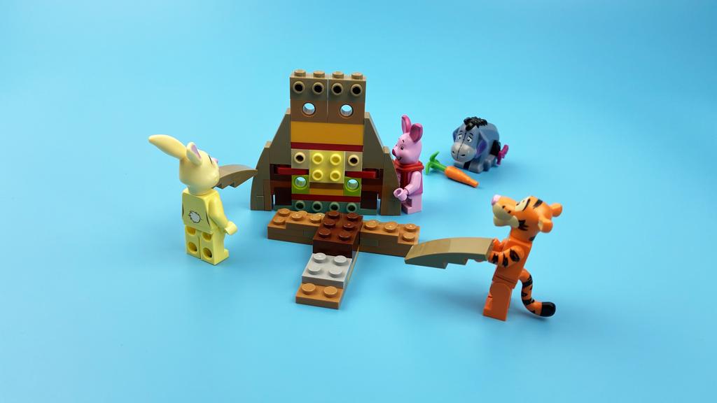 LEGO Ideas 21326 Disney Winnie the Pooh der Baum entsteht
