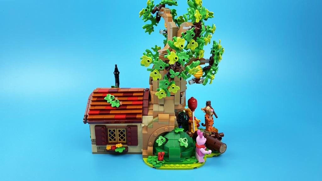 LEGO Ideas 21326 Disney Winnie the Pooh die Steitenansicht