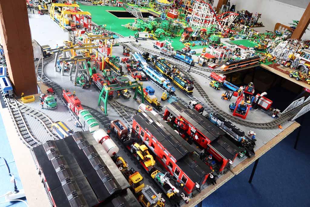 LEGO Stadt Bricks go WILD sind am Zug