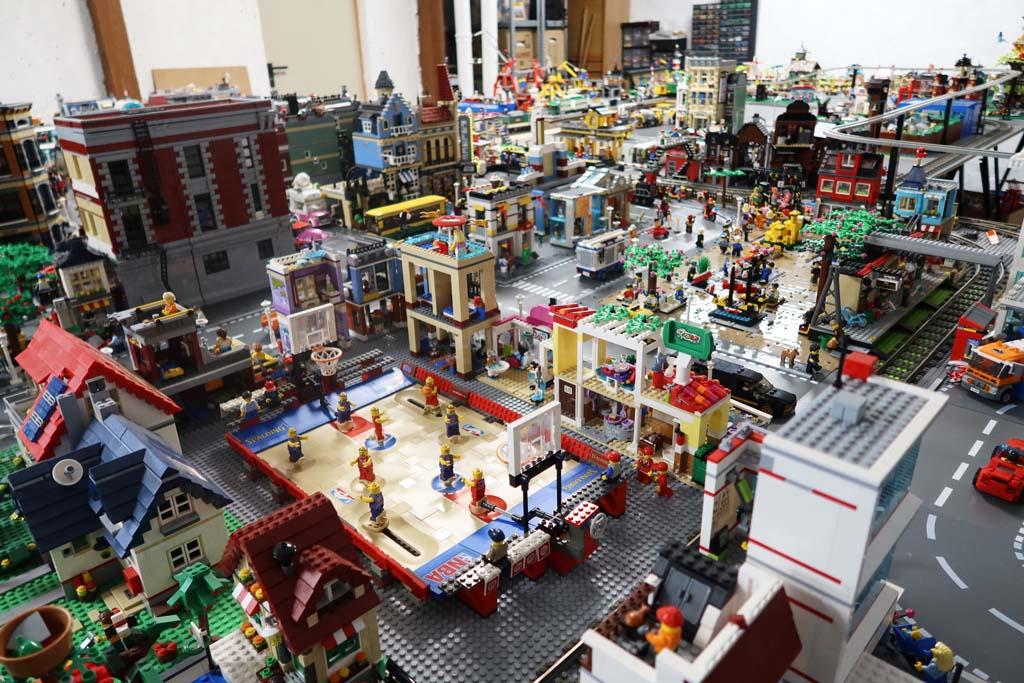 LEGO Stadt Bricks go WILD die Innenstadt