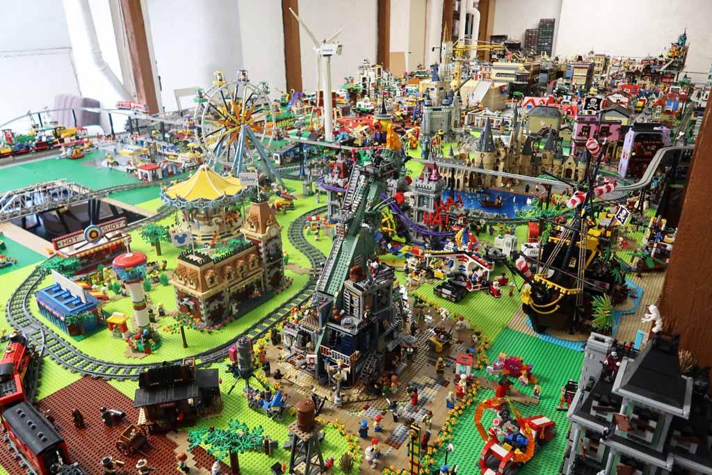 LEGO Stadt Bricks go WILD die Stadt in der Übersicht