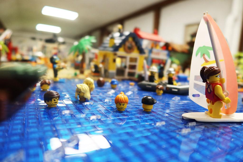 LEGO Stadt Wild City von Bricks go WILD der Strand ab ins kühle Nass