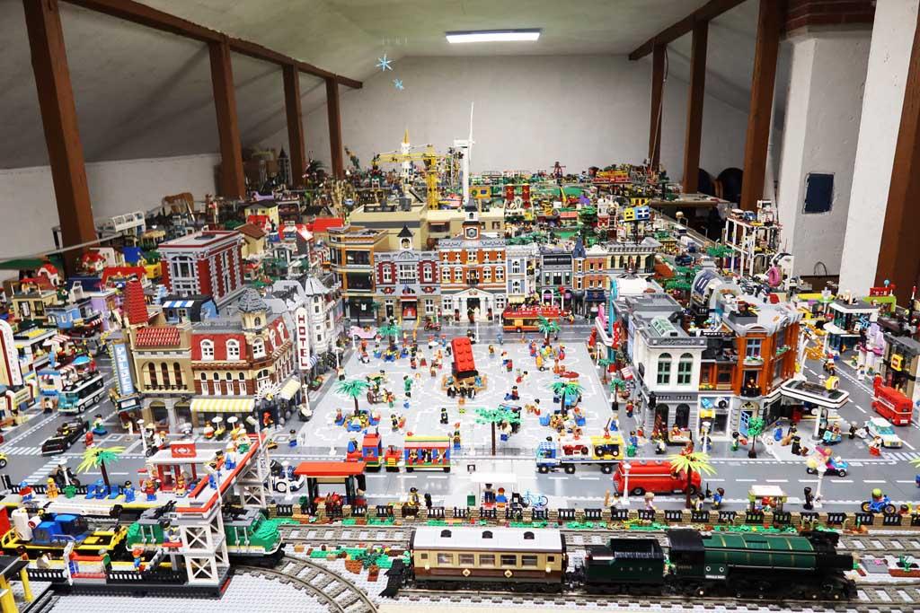 LEGO Stadt Wild City von Bricks go WILD