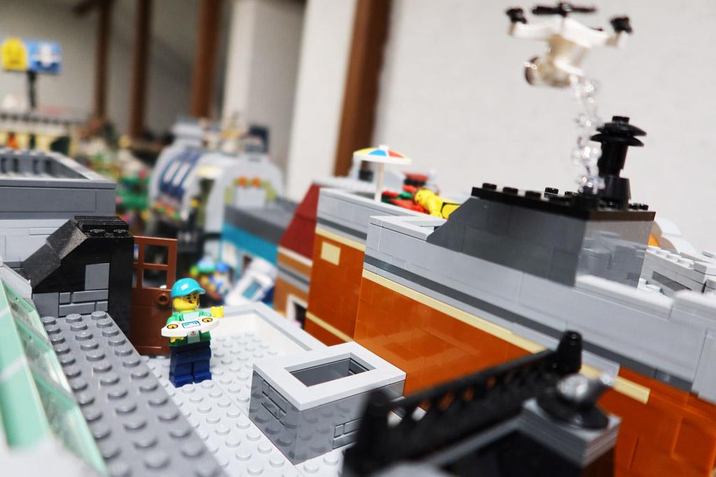 LEGO Stadt Wild City von Bricks go WILD Drohnenflug