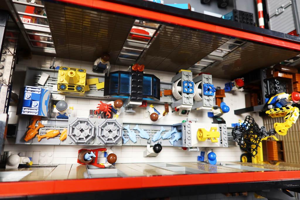 LEGO Stadt Wild City von Bricks go WILD die Fischstäbchenfabrik