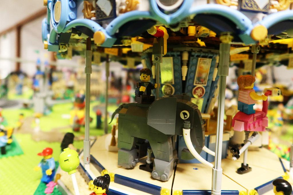 LEGO Stadt Wild City von Bricks go WILD Karussel
