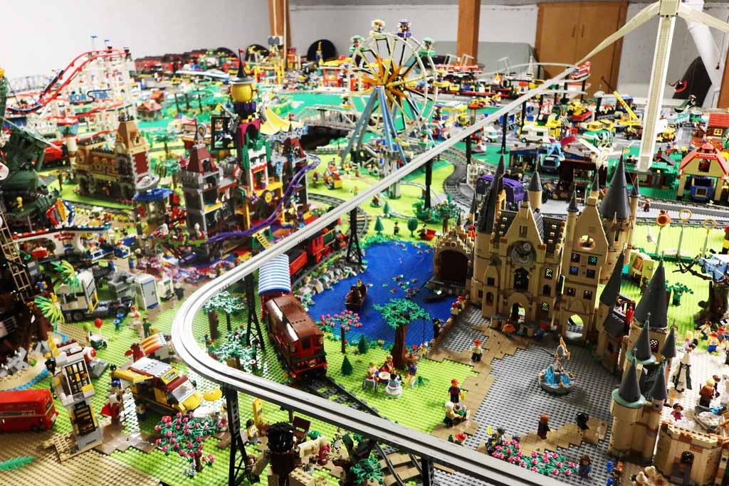 LEGO Stadt Wild City von Bricks go WILD Der Vergnügungspark