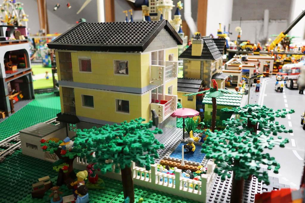 LEGO Stadt Wild City von Bricks go WILD, das Wohngebiet
