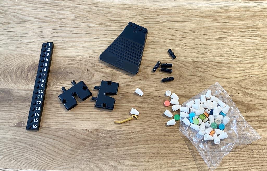LEGO Art 31203 World Map Befestigungen, Farbpalette und Teiletrenner