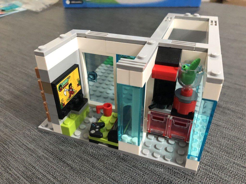 Wohnzimmer und Küche des LEGO City Famillienhauses