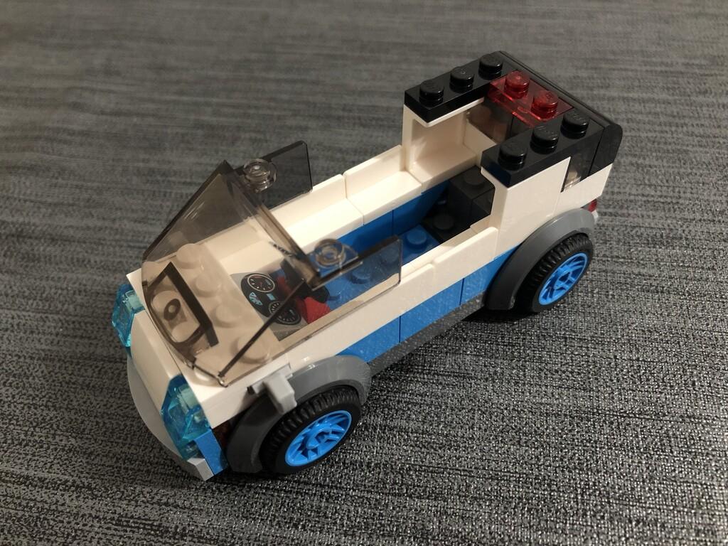 Der LEGO Van von oben geöffnet