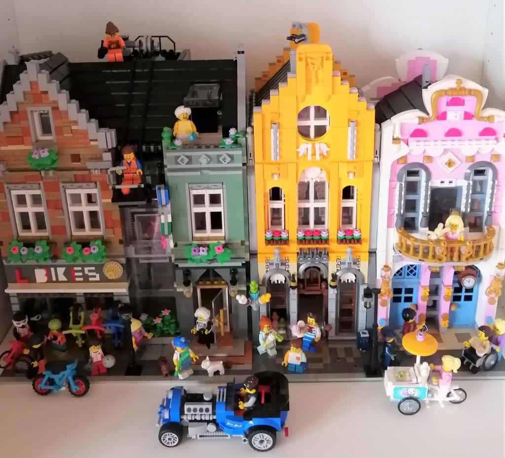 Maxxs Grannyville. die Modularhäuser von Brickative