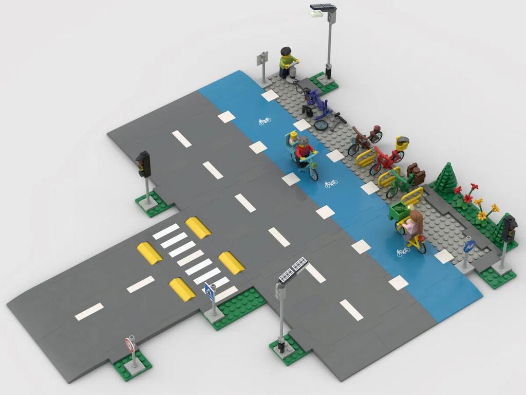 Radstreifen wurde an die Gerade des LEGO Sets Straßenkreuzung mit Ampeln gehangen