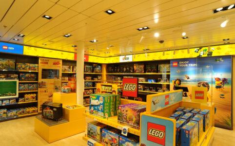 AIDAprima mit eigenem LEGO Store